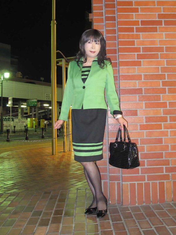 091003緑スーツ(2)