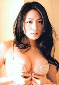 kawamura_yukie_g116.jpg