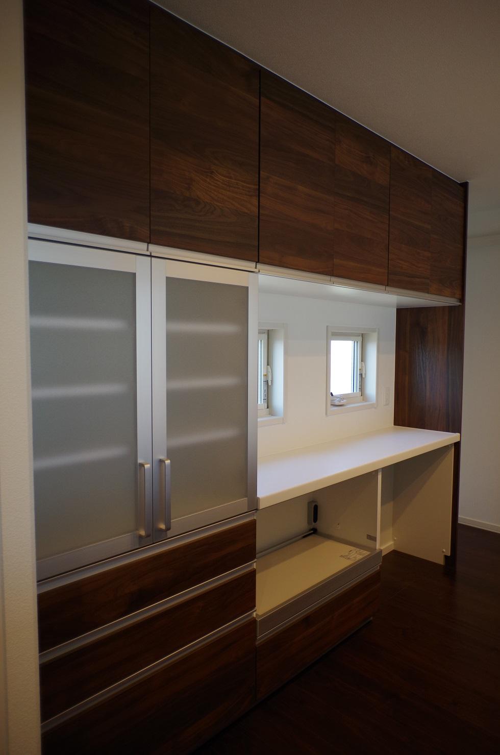 2階キッチンカップボード1