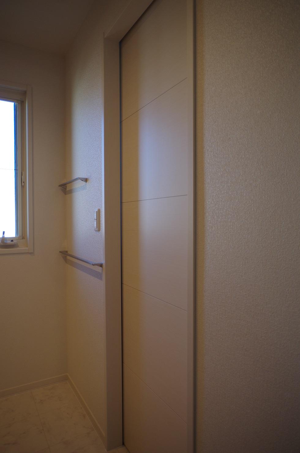 2階洗面所タオル掛け3