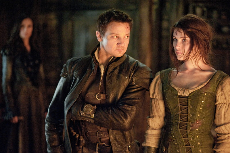 hansel-and-gretel-witch-hunters-jeremy-renner-gemma-arterton1.jpg