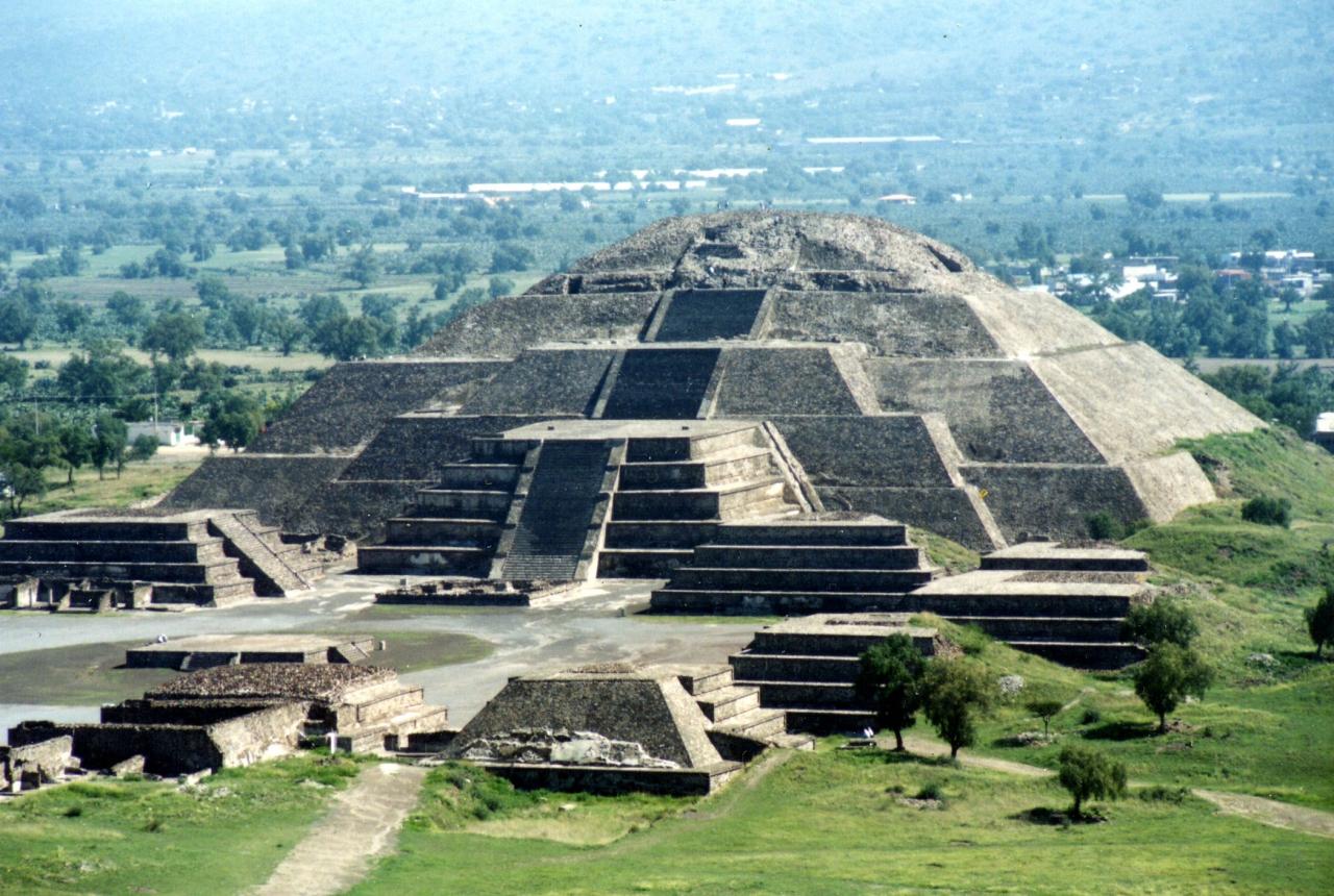 sol-piramides.jpg
