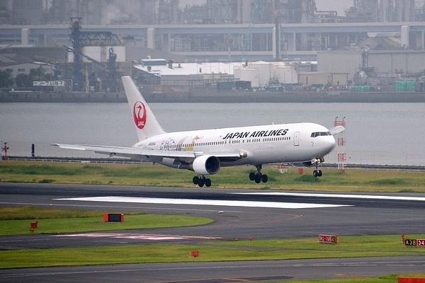 HND-JAL767-01.jpg