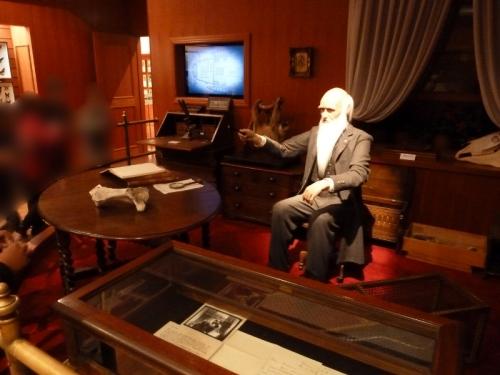 自然史博物館「Cダーウィンの部屋」