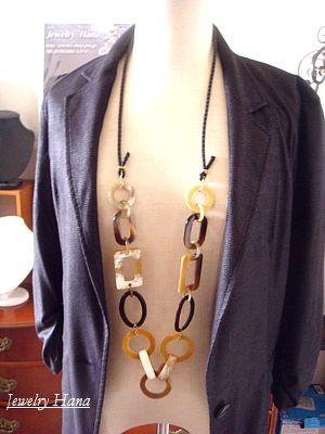 大人の女性に人気のモダンスタイルネックレス 水牛バアファローのロングネックレス