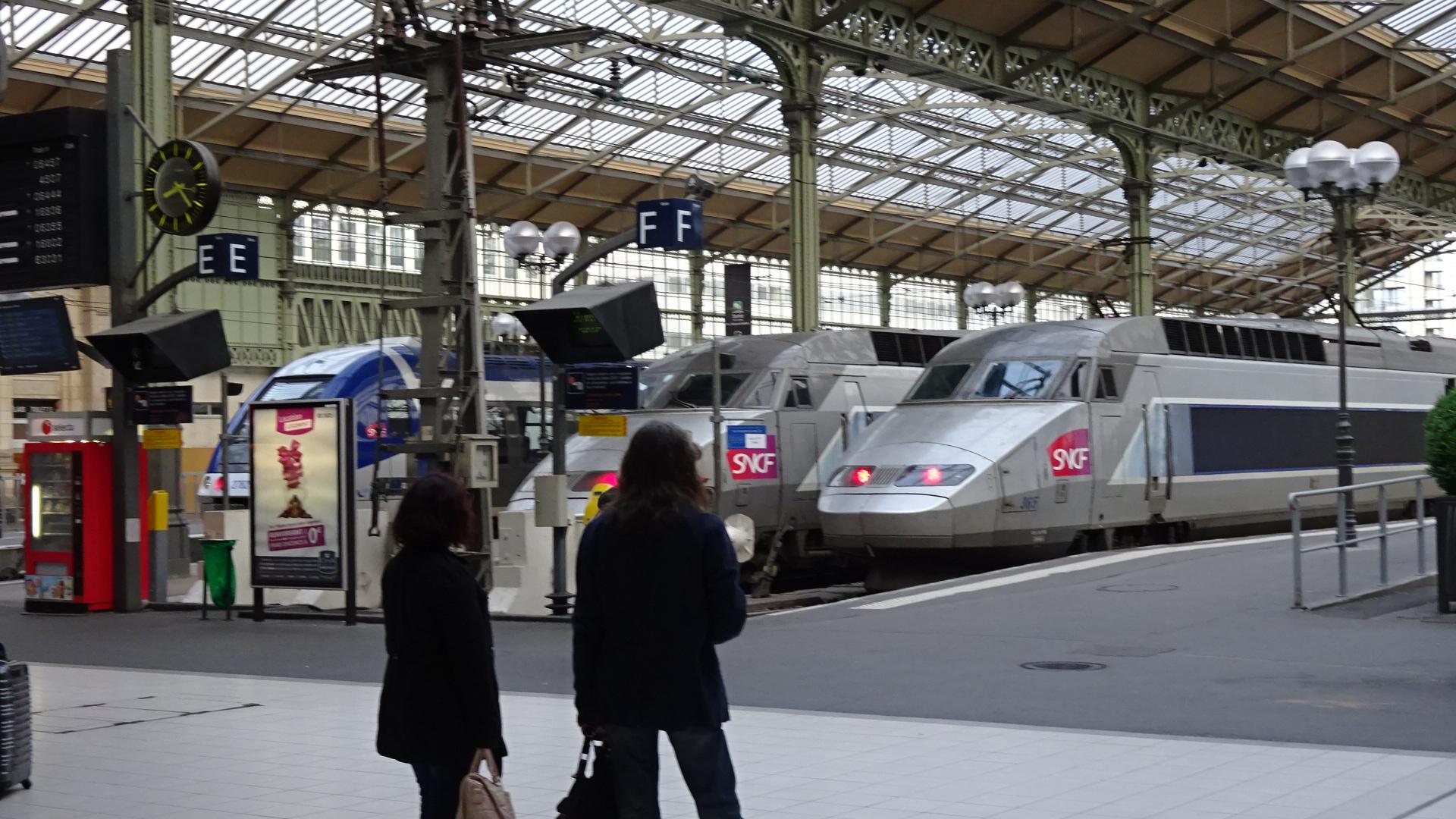電車と乗客