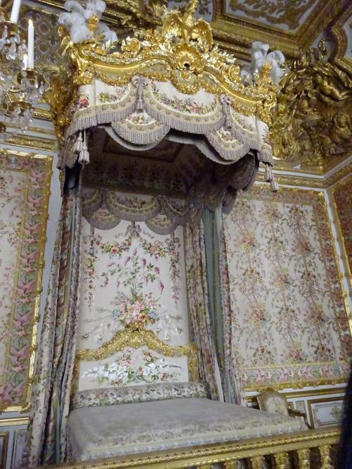 ヴェルサイユ宮殿・ベッド