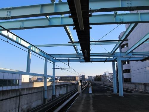 朝のセンター南駅