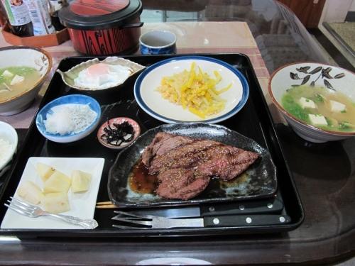 ぱいらんどの朝ステーキ