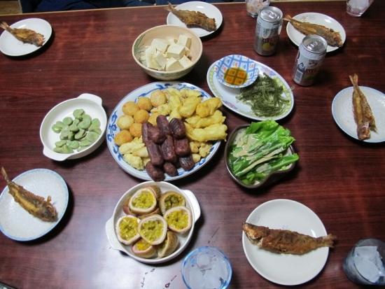 グルクン唐揚げ、島豆腐、海ぶどう、オオタニワタリ、たらし揚げ…