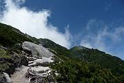 06_山頂が見えてきました^^-s