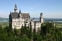 220px-Castle_Neuschwanstein.jpg
