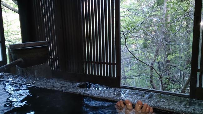 部屋風呂朝1