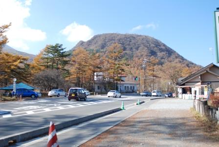峰の茶屋と小浅間山登山口