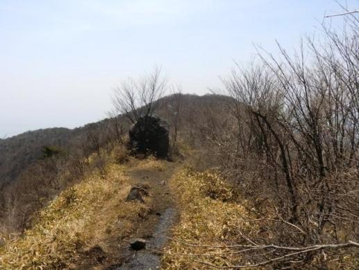 人面岩と鍋割山