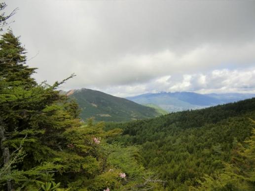 四阿山・根子岳は雲が