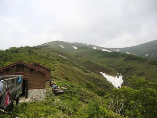 山の家と平標山