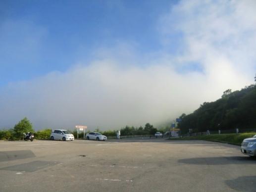 朝の八島駐車場