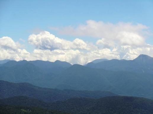 奥白根山と日光の山並み