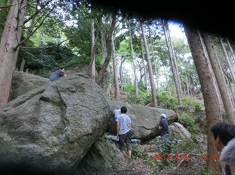 下の岩 M原