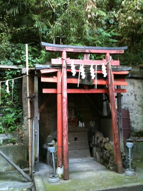 御田八幡神社 稲荷の祠