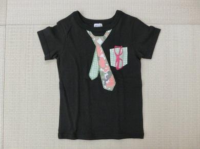 DILASH Tシャツ
