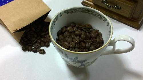 カリタの手挽きコーヒーミルと コーヒー豆2種類のセット