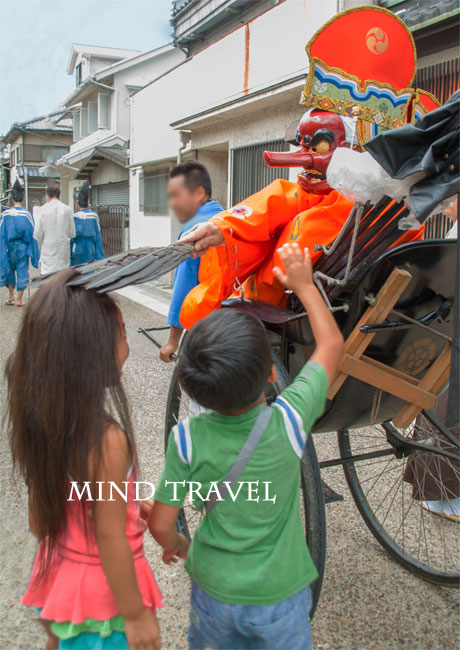 平野夏祭 猿田彦と子供