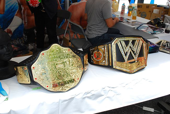 WWE世界ヘビー&WWEヘビー