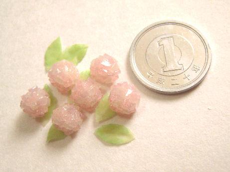 和菓子のあじさい&スミレの砂糖漬け1