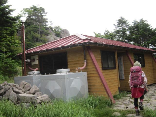恵那山避難小屋