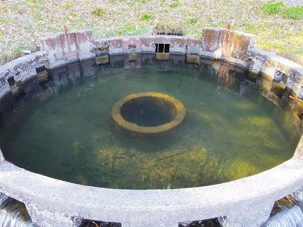 円形分水3