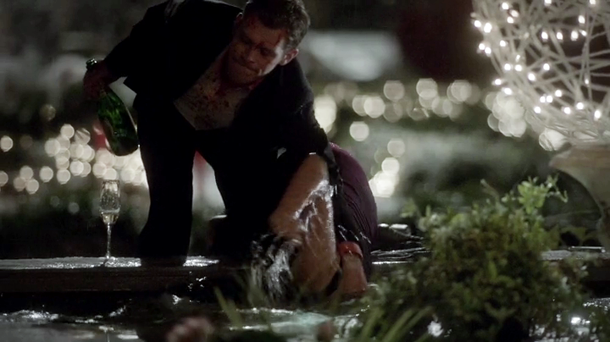 vampire-diaries-409-o-come-all-ye-faithful-drowning.png
