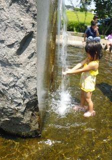 ブログ2 0804水遊び (1)