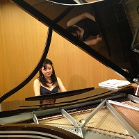 Playing Steinway Arabesque