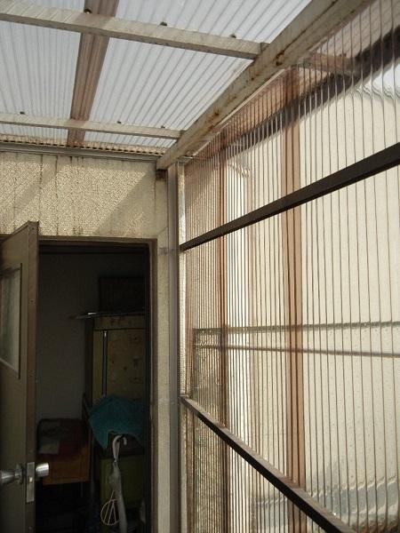 屋上のテラス補修。