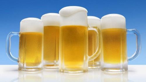 ビールジョッキ いっぱい
