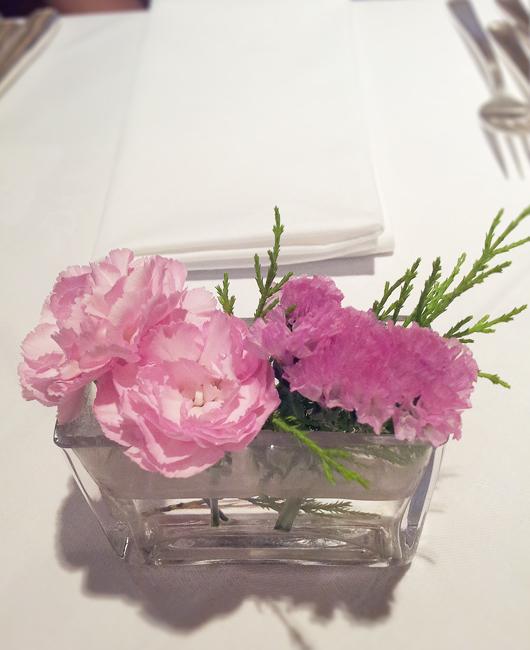 テーブルのお花が可愛い♪