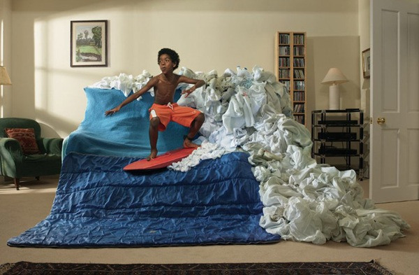 10-couch-surfing-rules-benji-poler-01.jpg