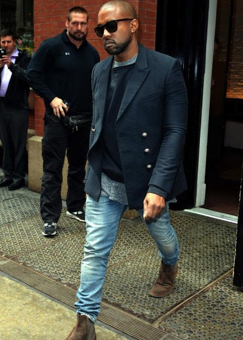 カニエ・ウェスト(Kanye West):オリバーピープルズ(Oliver Peoples)/バルマン(BALMAIN)/ボッテガ・ヴェネタ(BOTTEGA VENETA)