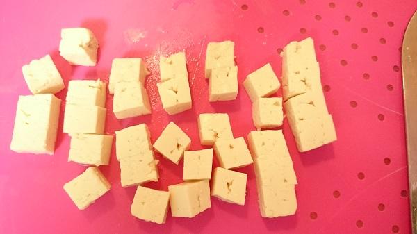 豆腐サイコロ