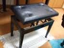 電子ピアノ付属椅子JPG