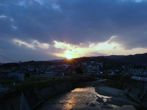 龍田川の夕焼け