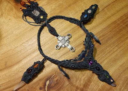 マクラメアクセサリー 王様の剣
