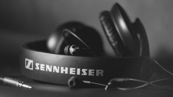 Sennheiser-Headphones-1080x1920_20140411170410f5b.jpeg