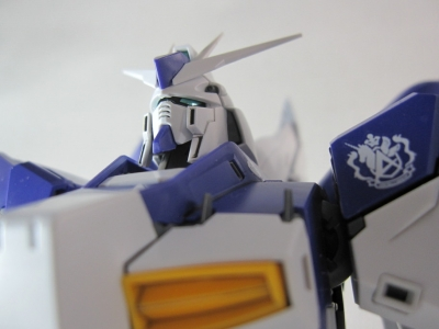 MG-Hi-NEW-GUNDAM-Ka_0059.jpg