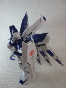 MG-Hi-NEW-GUNDAM-Ka_0083.jpg