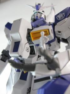 MG-Hi-NEW-GUNDAM-Ka_0267.jpg