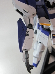 MG-Hi-NEW-GUNDAM-Ka_0291.jpg
