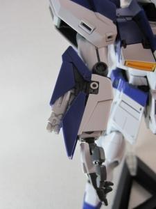 MG-Hi-NEW-GUNDAM-Ka_0299.jpg